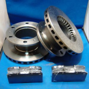 Ford Cargo Brake Discs x two one axle set including brake pads 6 Stud hub fits front and rear 06/07/08 range